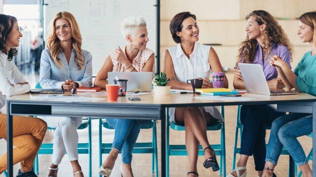 働く女性たち